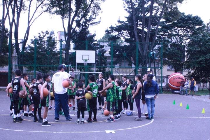 Mejores 1o escuelas de baloncesto en bogotá